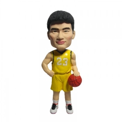2016 Wholesale Polyresin Bobble Head Playing Sports Bobble H